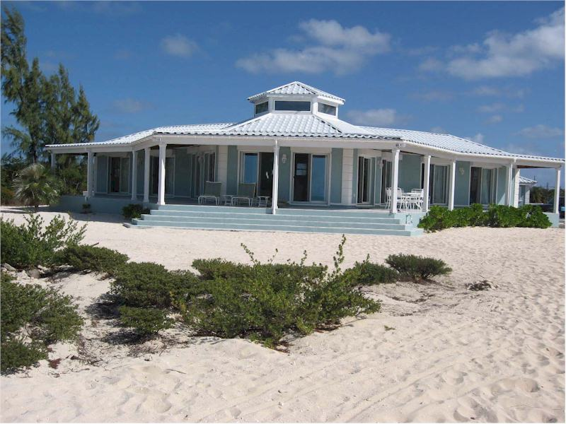 Single Family Home for Sale at Beachfront Home Long Island, Bahamas