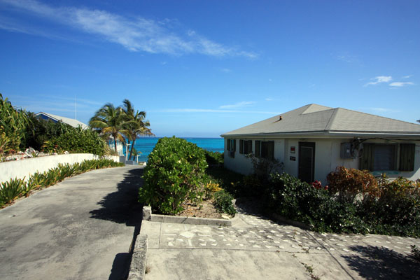 Single Family Home for Rent at Cozy Home On The Atlantic Ocean On Man O WAr Cay Man-O-War Cay, Abaco, Bahamas