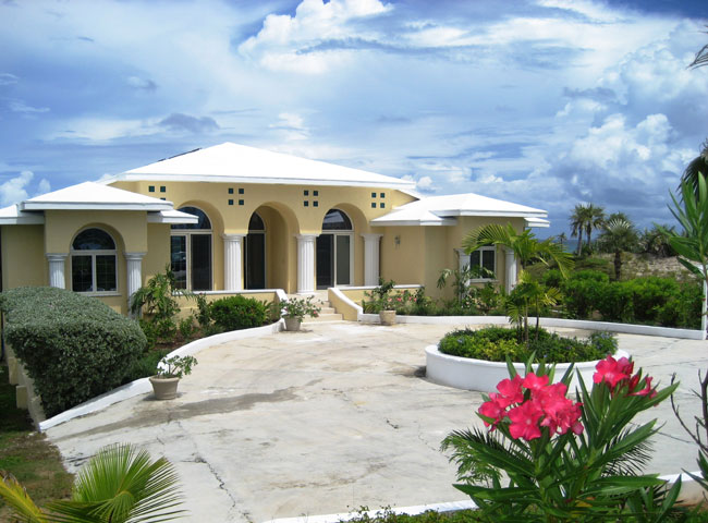 Single Family Home for Rent at Beachfront Home In Exclusive Community Double Bay, Eleuthera, Bahamas