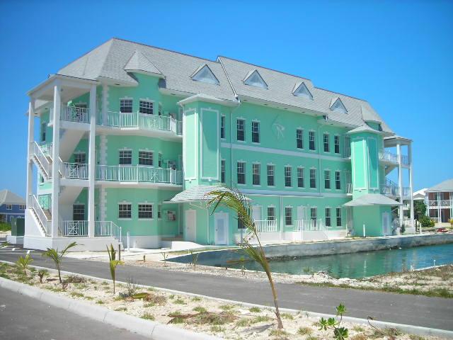 Co-op / Condominio por un Venta en Roberts Isle Condos Sandyport, Cable Beach, Nueva Providencia / Nassau Bahamas