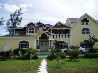 Single Family Home for Rent at Charming House With Good Income Potential Nassau And Paradise Island, Bahamas