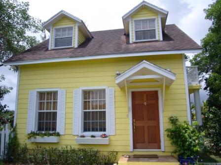 Single Family Home for Sale at Lakefront Cottage With Pool Westridge Estates, Westridge, Nassau And Paradise Island Bahamas