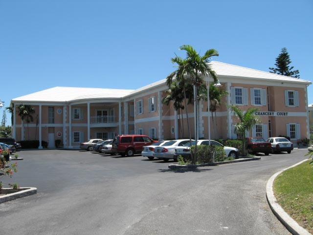 Comercial por un Alquiler en Corporate Center On The Mall Drive Grand Bahama, Bahamas