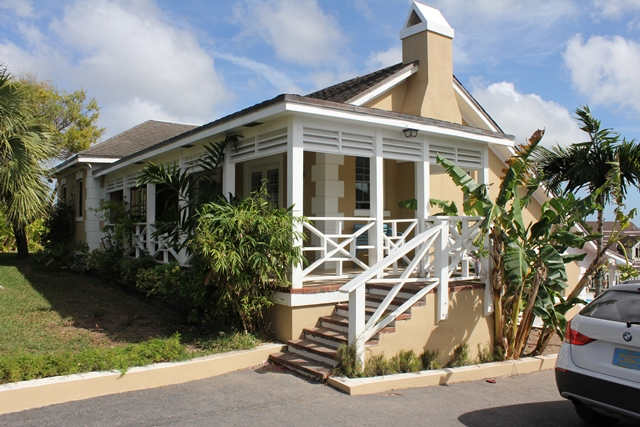 Single Family Home for Rent at Hilltop Home Tusculum, Nassau And Paradise Island, Bahamas