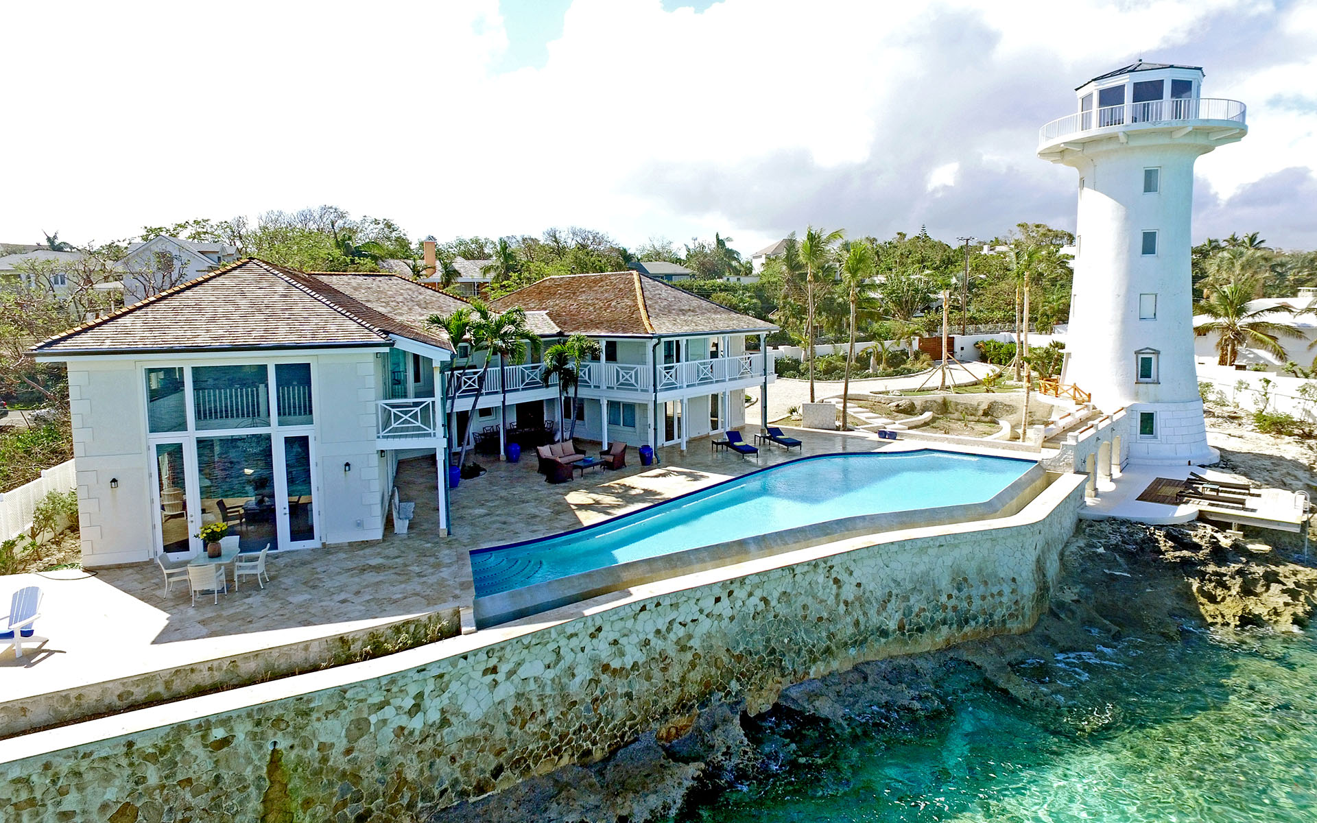 Single Family Home for Rent at Solomon's Lighthouse, Waterfront Estate Eastern Road Eastern Road, Nassau And Paradise Island, Bahamas