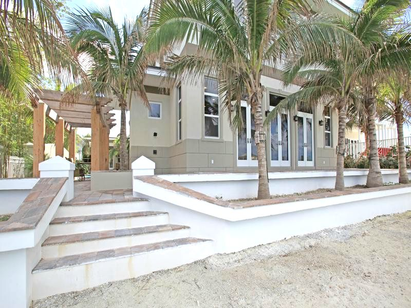 Single Family Home for Rent at Stunning Charleston Home Old Fort Bay, Nassau And Paradise Island, Bahamas