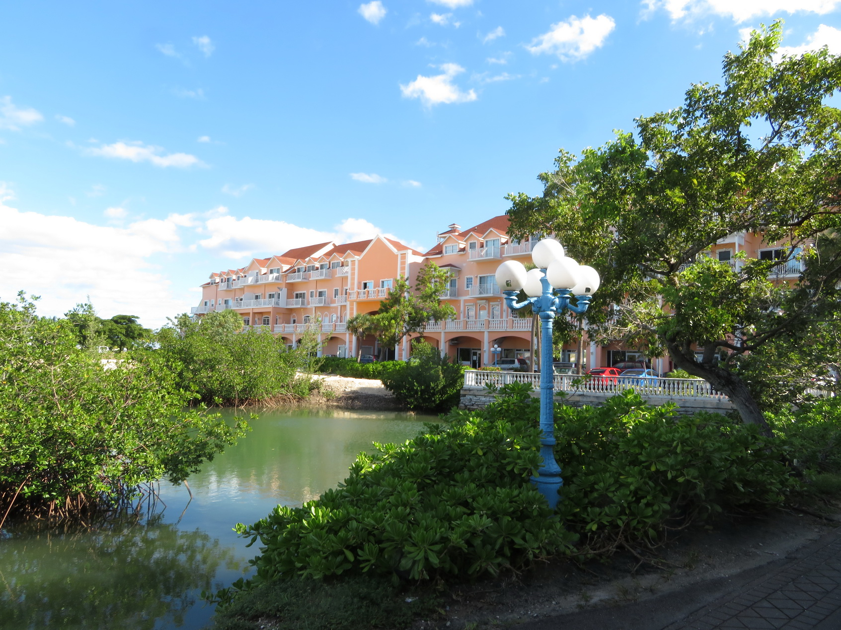 Co-op / Condo for Sale at Island lane, Sandyport Executive Condo - MLS 31736 Sandyport, Cable Beach, Nassau And Paradise Island Bahamas