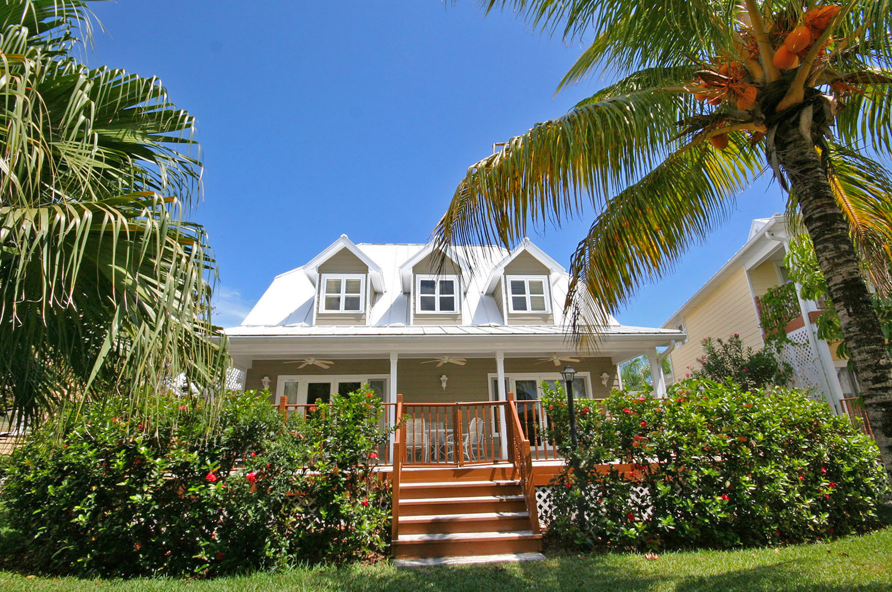 Single Family Home for Rent at Island Home in Shoreline, Fortune Beach, Lucaya Shoreline, Lucaya, Grand Bahama Bahamas