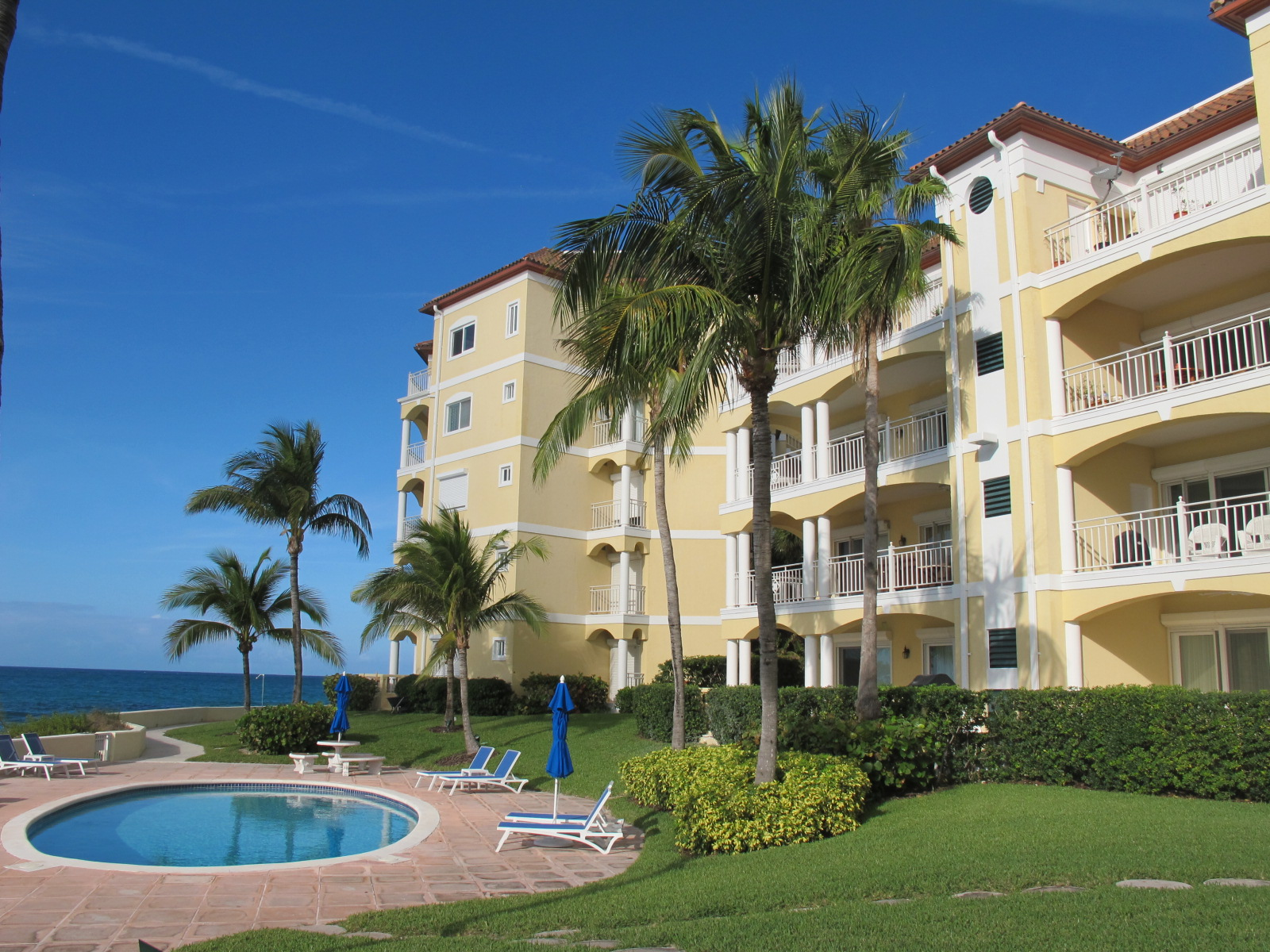 Co-op / Condo for Rent at Caves Condo with Panoramic Ocean Views Caves Point, Nassau And Paradise Island, Bahamas