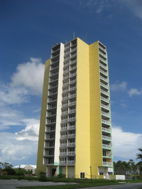 Sistema de calefacción por un Venta en Apartment Building On The Mall Bahamas