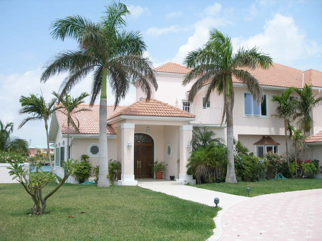 Moradia para Venda às REDUCED! Flamingo Point Estate Bahamas