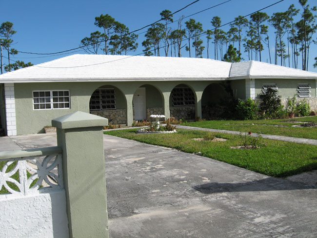 Single Family Home for Sale at Affordable Family Home Royal Bahamian Estates, Grand Bahama, Bahamas