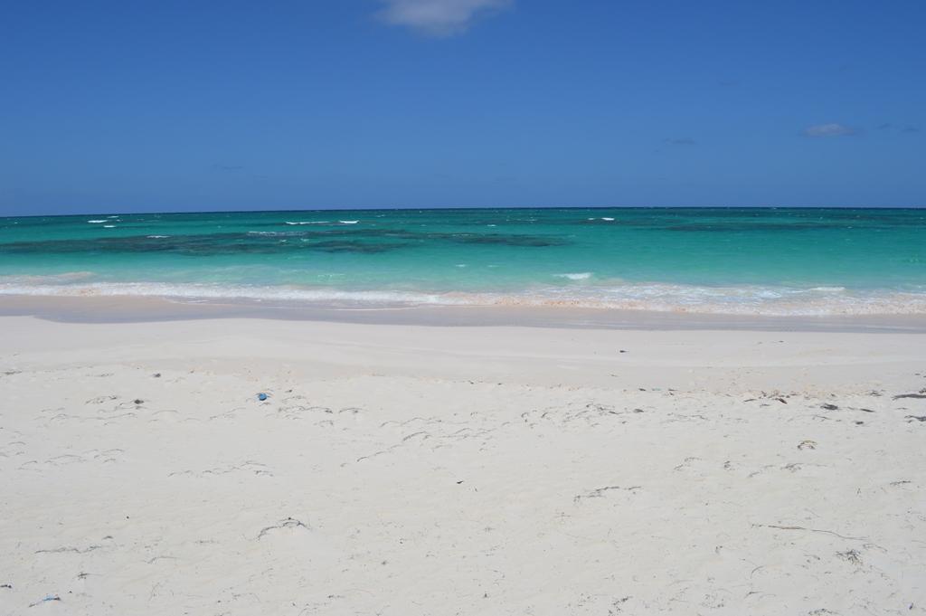 Land for Sale at Beachfront Lot Greenwood Estates, Cat Island, Bahamas