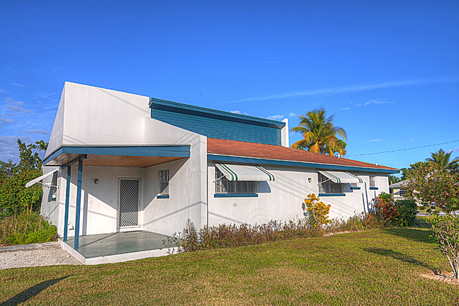 Single Family Home for Sale at 3-Bedroom Home On Large Corner Lot Sea Breeze, Nassau And Paradise Island, Bahamas