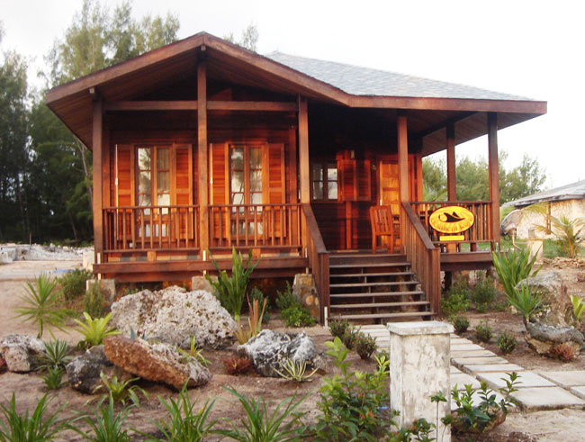 Single Family Home for Sale at Southern Rays Sunrise Bungalow Whale Point, Eleuthera, Bahamas