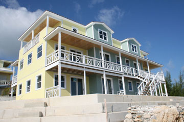 Appartement en copropriété pour l Vente à Beachfront Penthouse At The Crossing Waterfront Condominiums Abaco, Bahamas