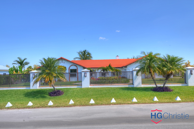 Single Family Home for Sale at Elegance & Comfort In Fortune Bay Fortune Point, Grand Bahama, Bahamas