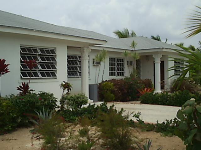 Multifamiliar por un Venta en An Excellent Income Property Nueva Providencia / Nassau, Bahamas