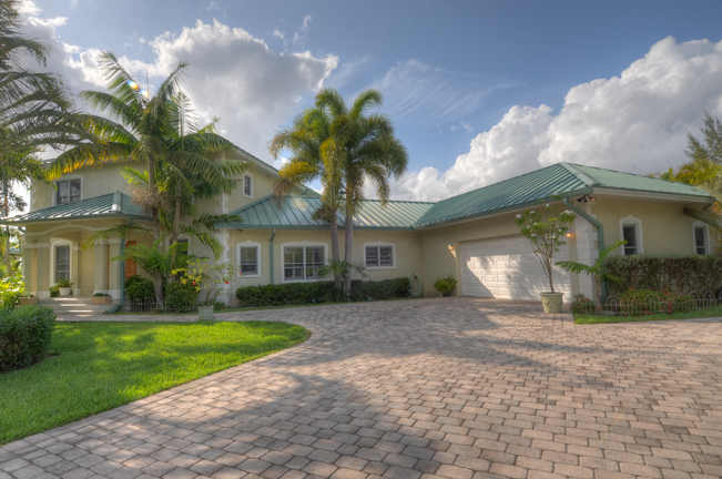 Single Family Home for Sale at Casa Loma Colony Bay, Grand Bahama, Bahamas