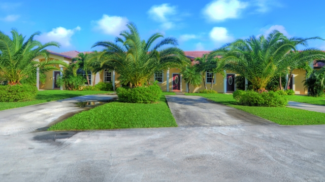 Multi Family for Sale at Apartment building in Bahamia Bahamia, Grand Bahama, Bahamas