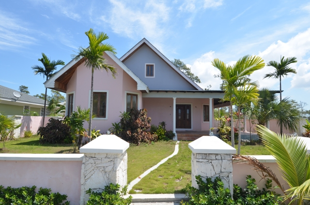 Single Family Home for Sale at An Executive Home Nassau And Paradise Island, Bahamas