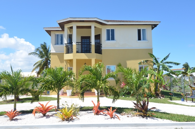 Single Family Home for Sale at San Souci Home Eastern Road, Nassau And Paradise Island, Bahamas