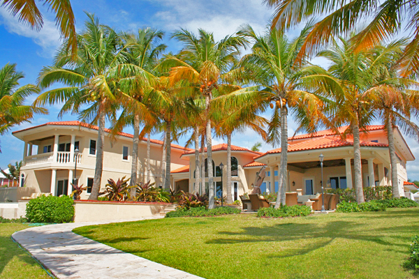 Single Family Home for Sale at Exquisite Oceanfront Luxury in Fortune Cay Fortune Beach, Grand Bahama, Bahamas