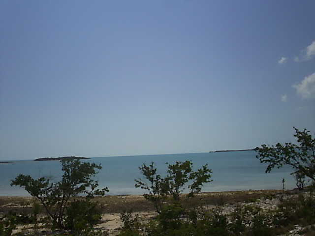 Additional photo for property listing at A Large Waterfront Lot Long Island, 바하마