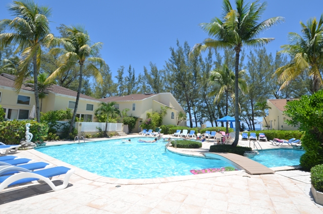 Co-op / Condo for Sale at Beachfront condo on Paradise Island - MLS 32689 Nassau And Paradise Island, Bahamas