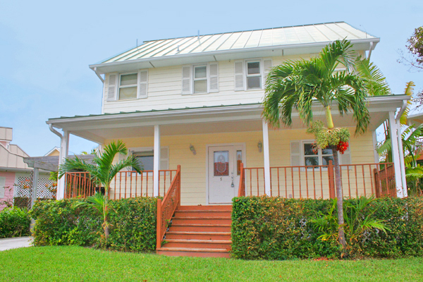 Single Family Home for Sale at Incredibly Low Price for Lovely Shoreline Home! Shoreline, Lucaya, Grand Bahama Bahamas