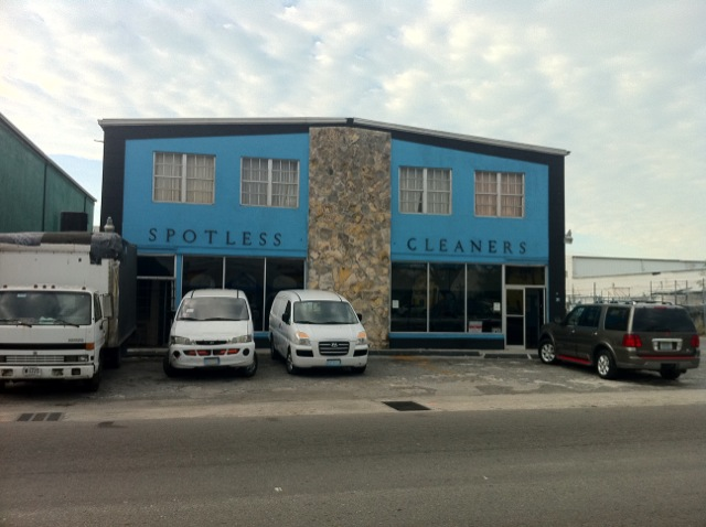 Commercial for Sale at Commercial building in central location Palmdale, Nassau And Paradise Island, Bahamas