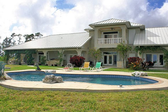 Casa Unifamiliar por un Venta en Waterfront Home Colony Bay Grand Lucayan Waterway Grand Bahama And Vicinity