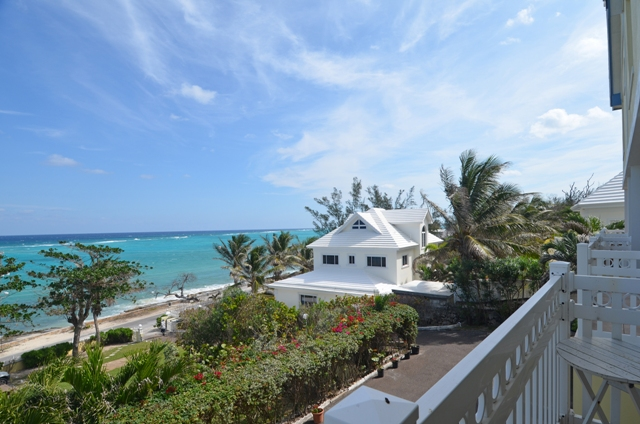 Co-op / Condo for Sale at Townhouse in the west across from the sea Nassau And Paradise Island, Bahamas
