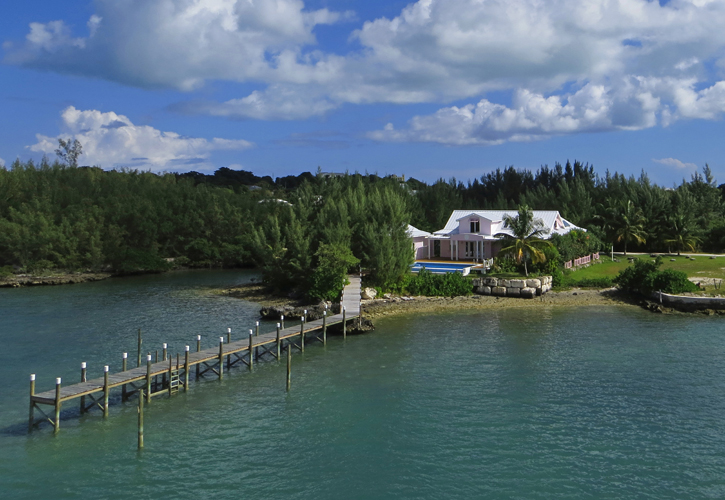 Tek Ailelik Ev için Satış at European Luxury Home Is The Perfect Island Retreat - Brand New Dock (MLS 19075) Abaco, Bahamalar