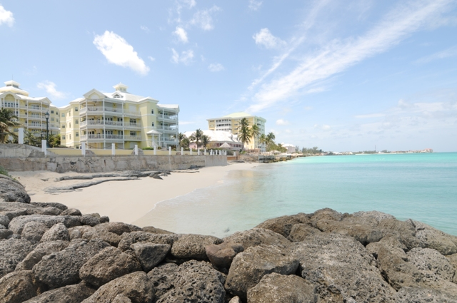 Appartement en copropriété pour l Vente à The Art of Seaside Living at Bayroc Nassau New Providence And Vicinity