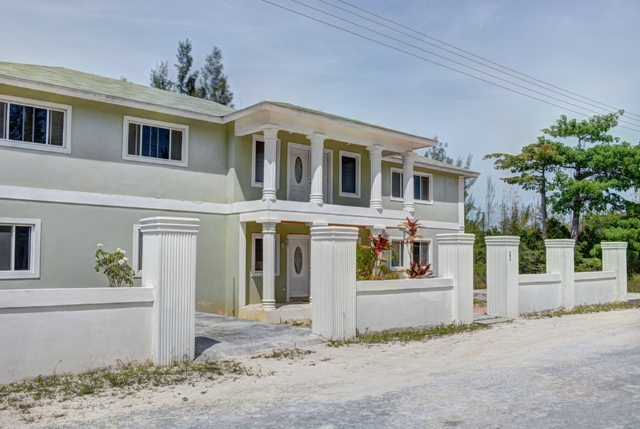Casa Unifamiliar por un Venta en Home in Twin Lakes Nassau New Providence And Vicinity