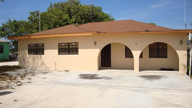 Single Family Home for Sale at Lovely Island Home Inagua, Bahamas