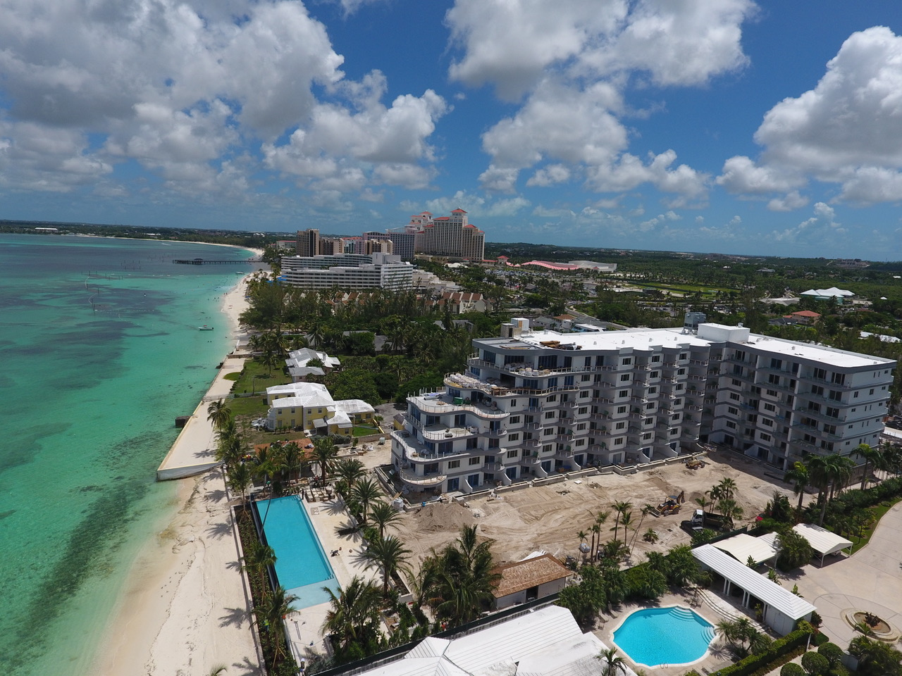 Additional photo for property listing at Stunning Beachfront Condos near BahaMar Nassau New Providence And Vicinity