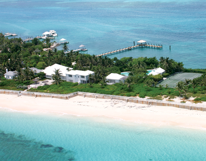 Maison unifamiliale pour l Vente à Allamanda Harbour and Beachfront Estate Nassau New Providence And Vicinity