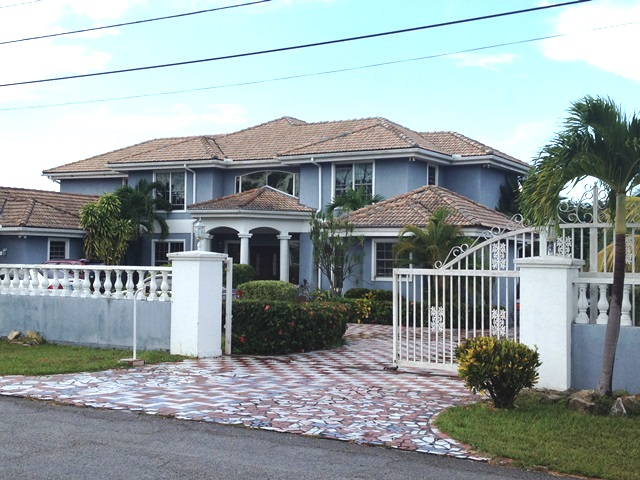 Single Family Home for Sale at Golf Course Estate Home - Bahama Reef Yacht and Country Club - MLS 29552 Grand Bahama, Bahamas