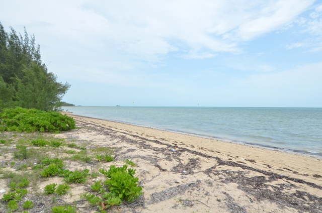 Land for Sale at Large Beachfront Lot Coral Harbour, Nassau And Paradise Island, Bahamas