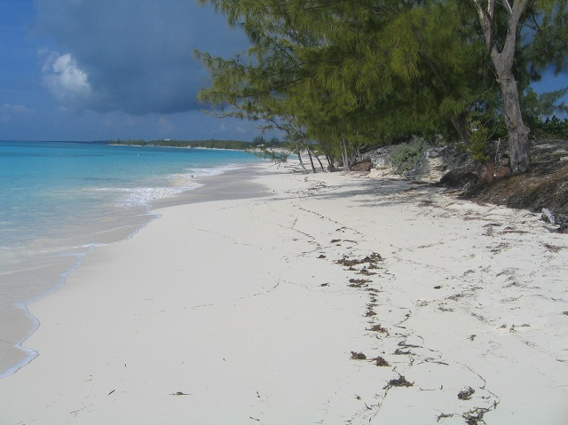 Land for Sale at Large Oceanfront Lot With Salt Pond Rum Cay, Bahamas