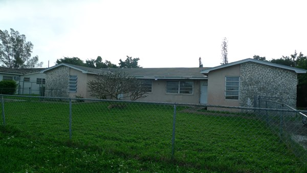 Multi Family for Sale at Seahorse Village Duplex Seahorse Village, Grand Bahama, Bahamas