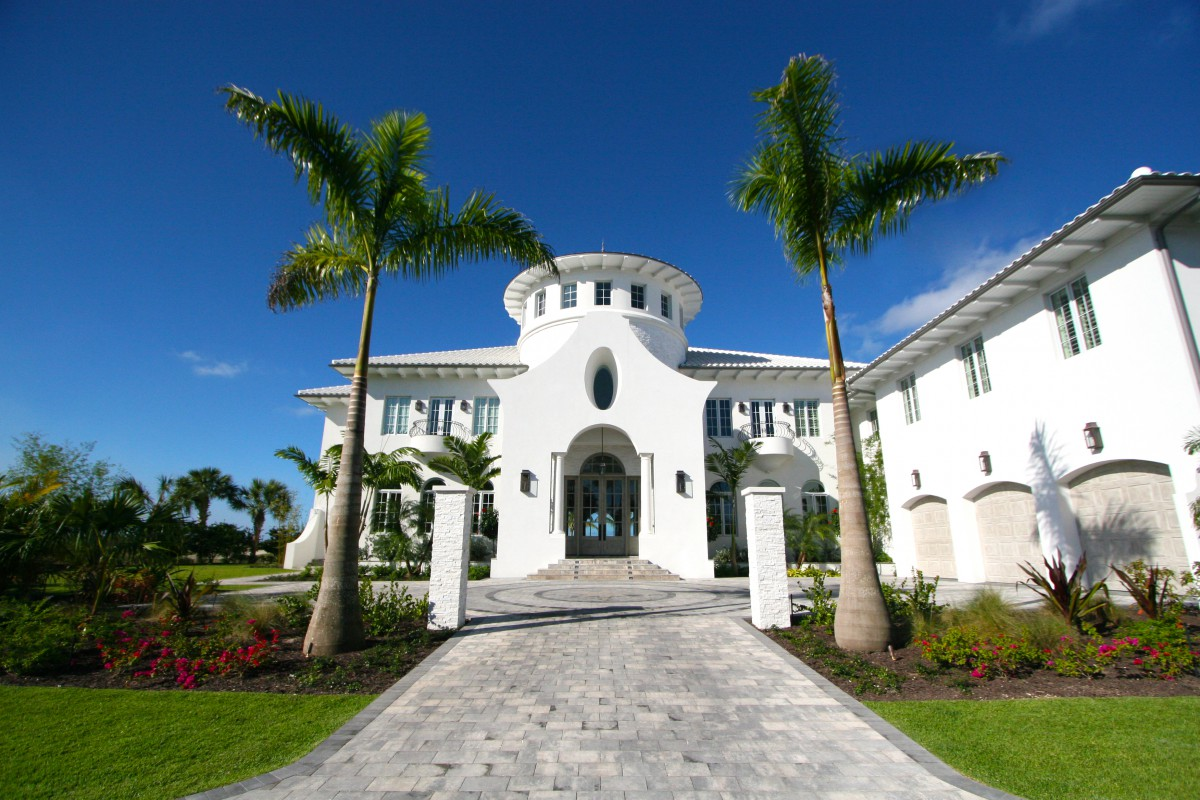 Single Family Home for Sale at Golf Course Estate Home Albany, Nassau And Paradise Island, Bahamas
