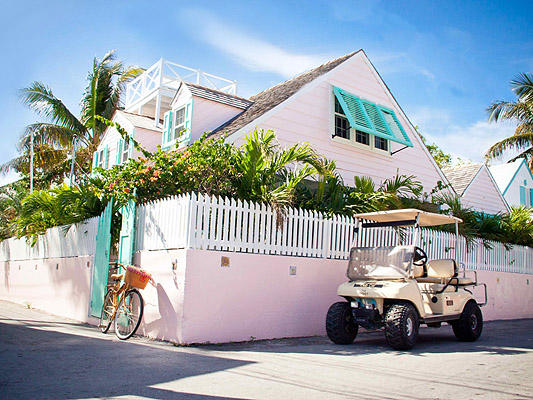 Maison unifamiliale pour l Vente à A Classic in the Heart of Dunmore Town on Harbour Island Harbour Island, Bahamas