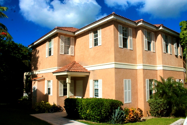 Co-op / Condo for Sale at Spacious Balmoral Townhome Nassau And Paradise Island, Bahamas
