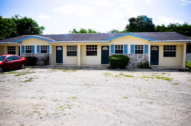 Commercial for Sale at The Mall Drive - 4 Plex Fully Rented! Bahama Terrace, Freeport And Grand Bahama, Bahamas