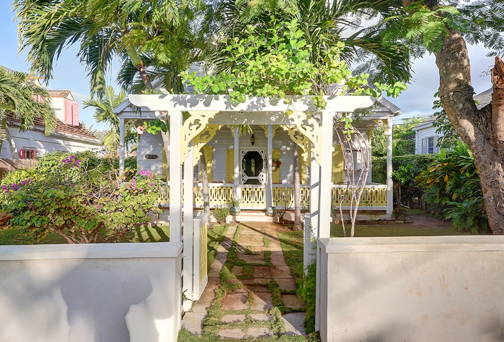 Single Family Home for Sale at Historical Home on Pine Street, Governor's Harbour - MLS 25609 Governors Harbour, Eleuthera, Bahamas