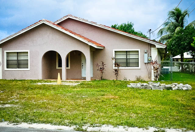 Single Family Home for Sale at Large 4 bedroom 3 Bathroom Home in Bahama Terrace Bahama Terrace, Freeport And Grand Bahama, Bahamas