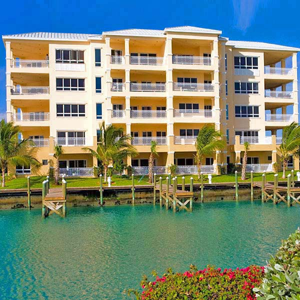 Appartement en copropriété pour l Vente à Exquisite Luxury Living in Suffolk Court Bahamas